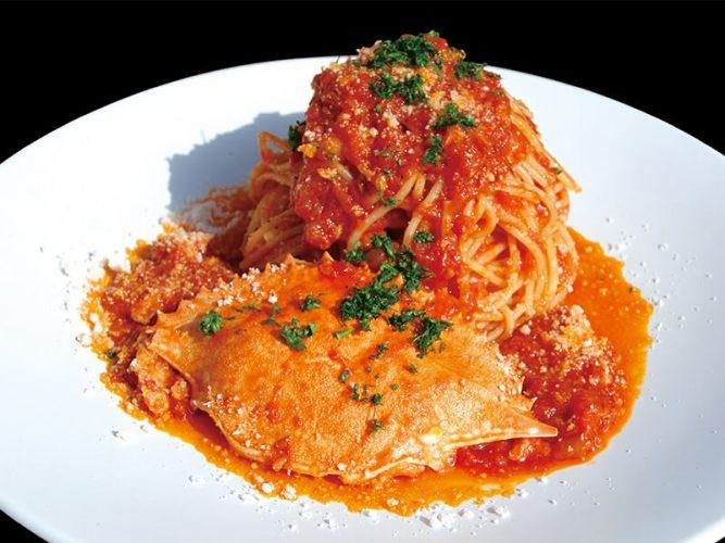 花朝月夕 人気のワタリガニのトマトソーススパゲティ
