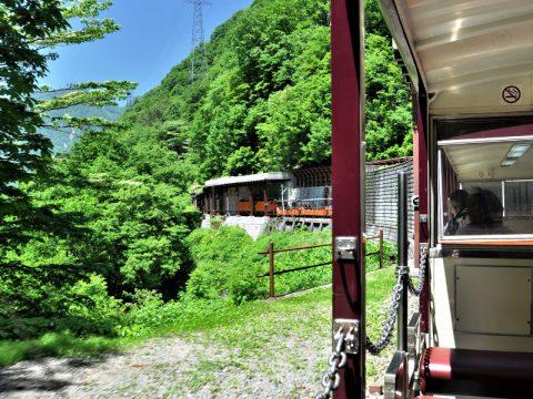 黒部峡谷鉄道 トロッコ電車