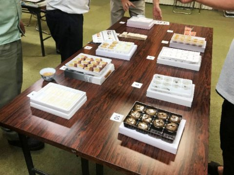 富山のお土産和菓子 試食