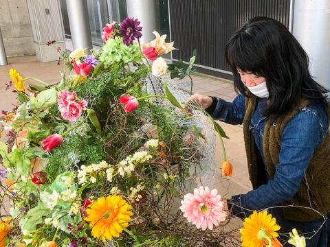 北陸新幹線開業6周年企画のフラワーアレンジメント